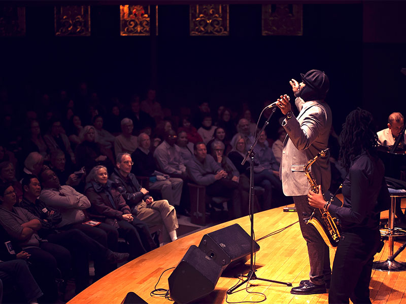 Gregory Porter and audience